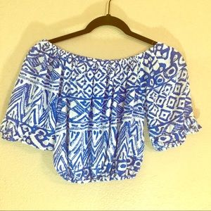 Tops - Off the shoulder cropped blue and white print top